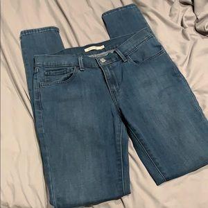 Women's Levi skinny jeans - 30